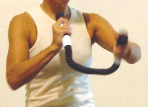 Workout tones arms and shoulders, improves cardio fitness, lowers blood sugar, and builds upper body strength